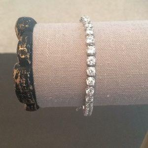 Jewelry - STUNNING TENNIS BRACELET
